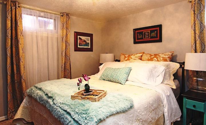 Cozy Apt w/Spacious Gardens, Mountain Views, BBQ