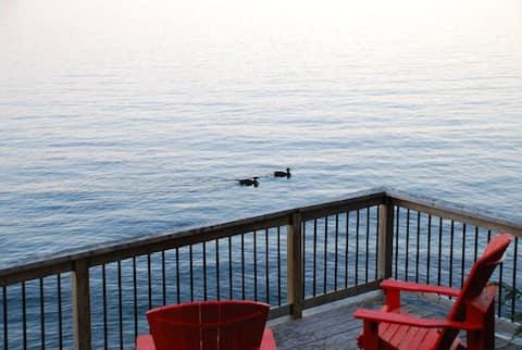 Cosy Getaway on Beautiful Lake Kennisis