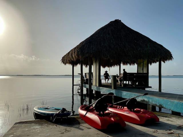 Casa Esmeralda de Bacalar Lakefront/frente al lago