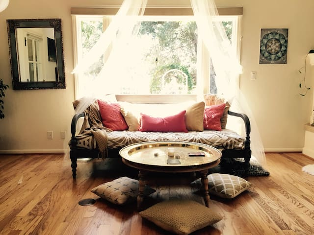 Energetically Aligned Retreat Space- Ojai - Oak View - Hus
