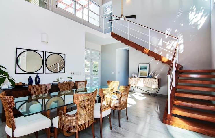 Modern House Inside Punta Cana Village 4BR - Punta Cana - Talo