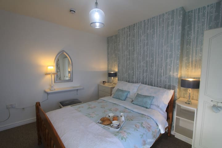 Ardclinis Double bedroom with fab sea views