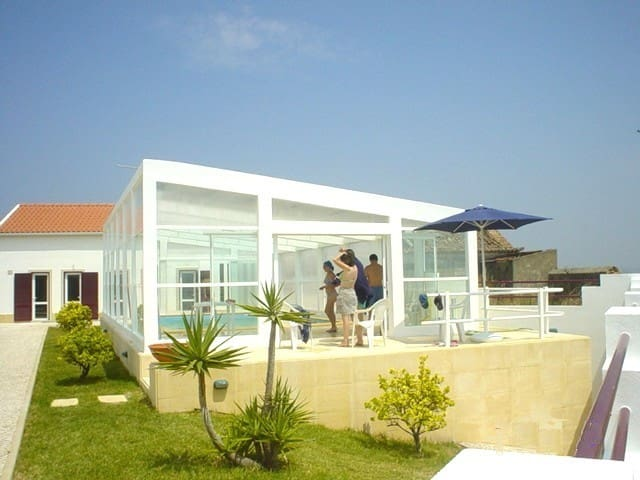 House Garden and Pool - São Pedro da Cadeira - Ház