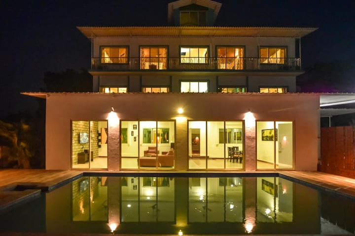 EKOSTAY | 5BHK Villa with Private Pool- Casa Royal