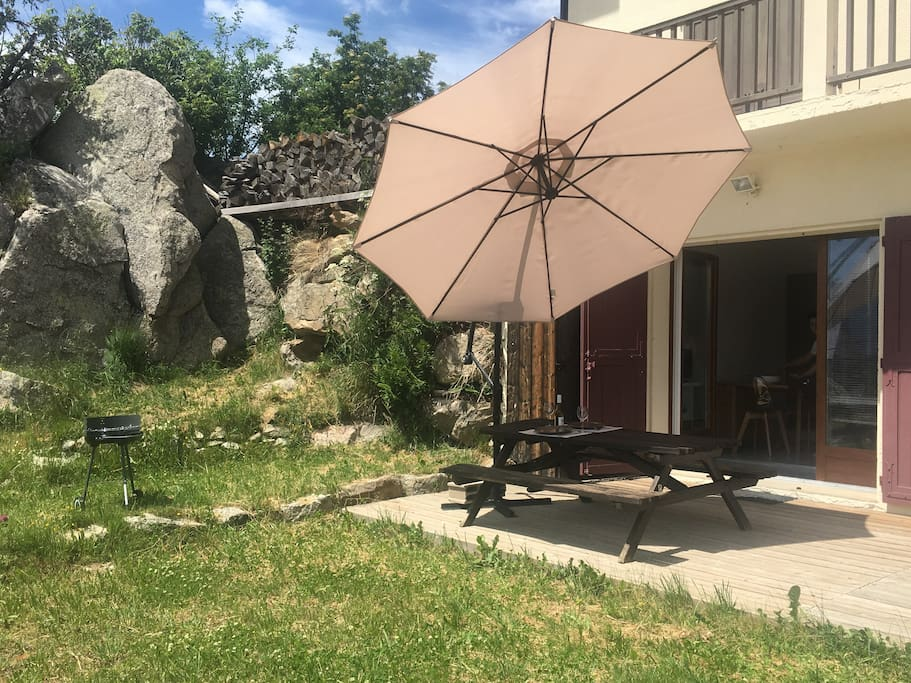 jardin privatif avec terrasse