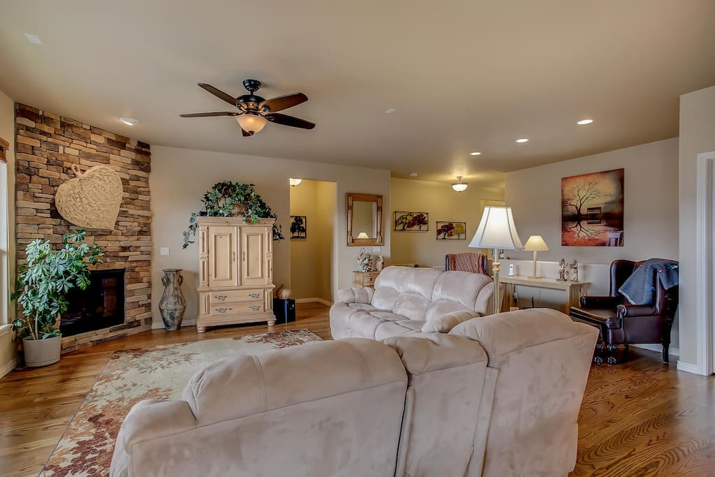 Sit in the living room and revel in the tranquil mountain views.