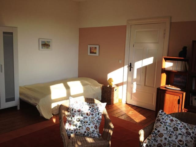 Room with a sunny southview - Giesensdorf - House