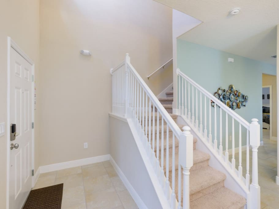 Banister,Handrail,Furniture,Dining Room,Indoors