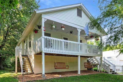 Beautiful Cottage on Large Private Lot