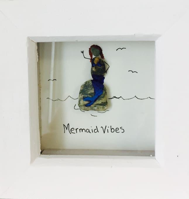 Find mermaid purses on the beach