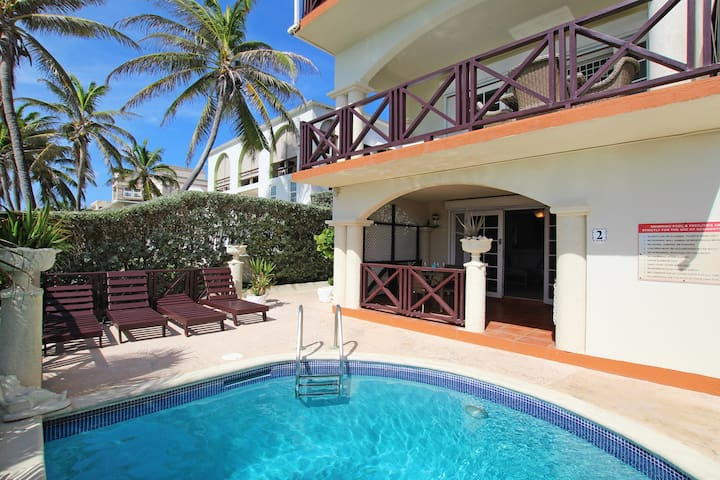 Oceanfront 2-bed Apt with Pool - Rosalie #2