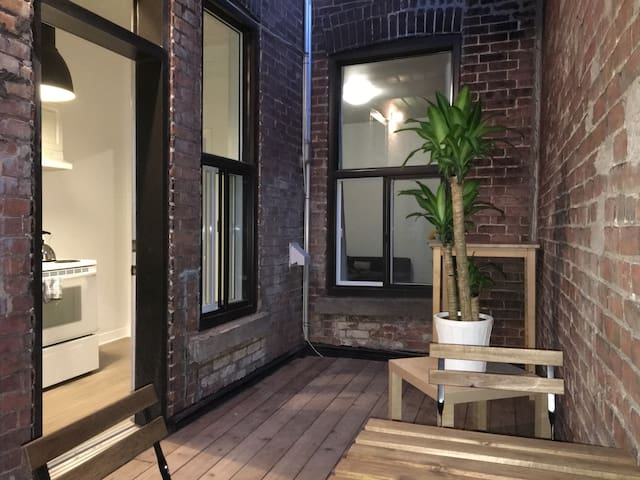 Best Location in Mile-End & Private Terrace!
