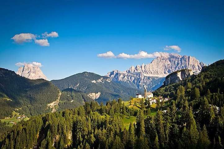 Touch the Dolomites,  Private room - Laste - Casa