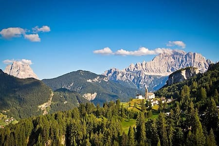 Touch the Dolomites,  Private room - Laste - Huis