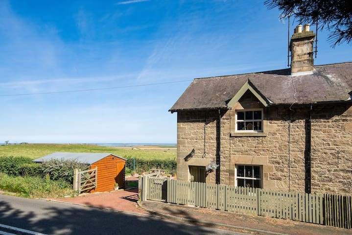 Holy Island View  - Autumn breaks available
