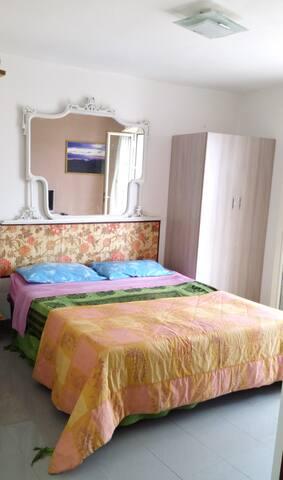 MATRIMONIALE + 1, BAGNO PRIVATO, CUCINA E VERANDA - Reggio Calabria - Apartament