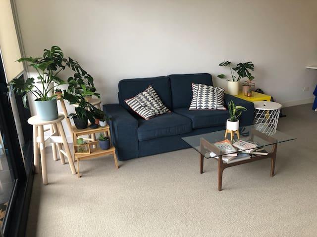Cozy apartment, great for Grand Prix location!