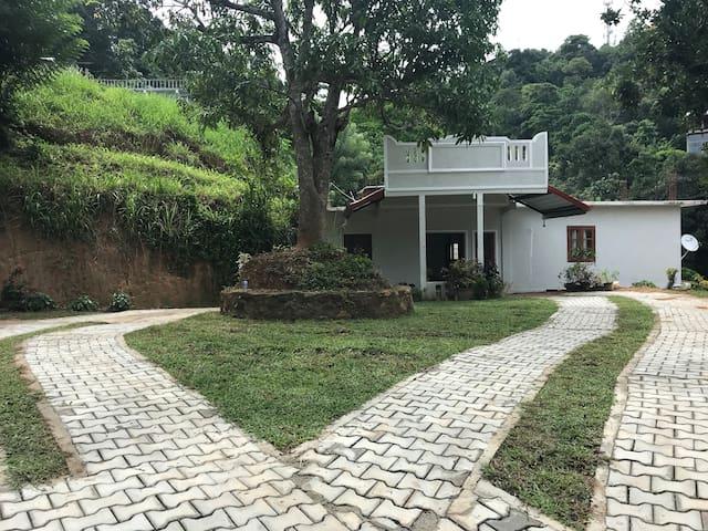 Kandy hill cottage