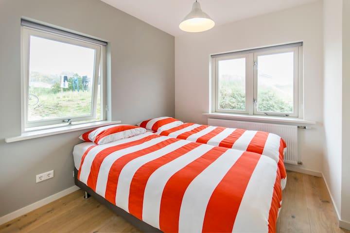 Comfortabel en gezellig huis in de duinen - Midsland - Ház