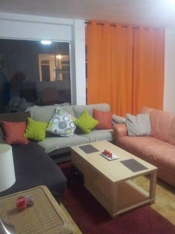 ★Room with 2 beds ★ Central ★ 220m2 - San Bartolomé de Tirajana - Dům