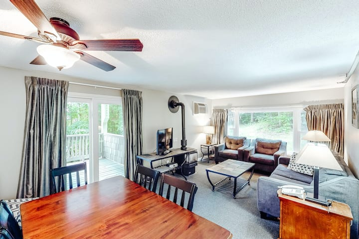 Beautiful mountainside home features shared pool, hot tub, fitness center + WiFi