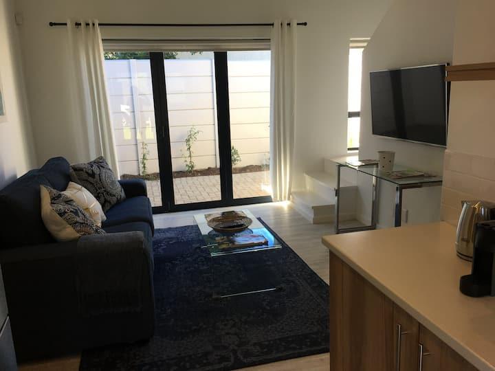Modern Loft Apartment 6