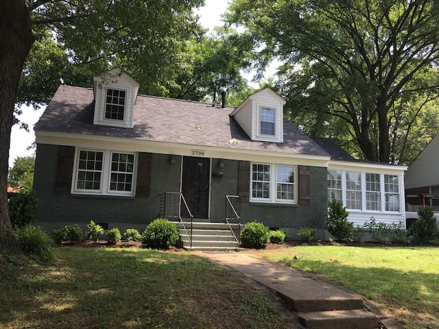 Remodeled Midtown Abode - Memphis - House