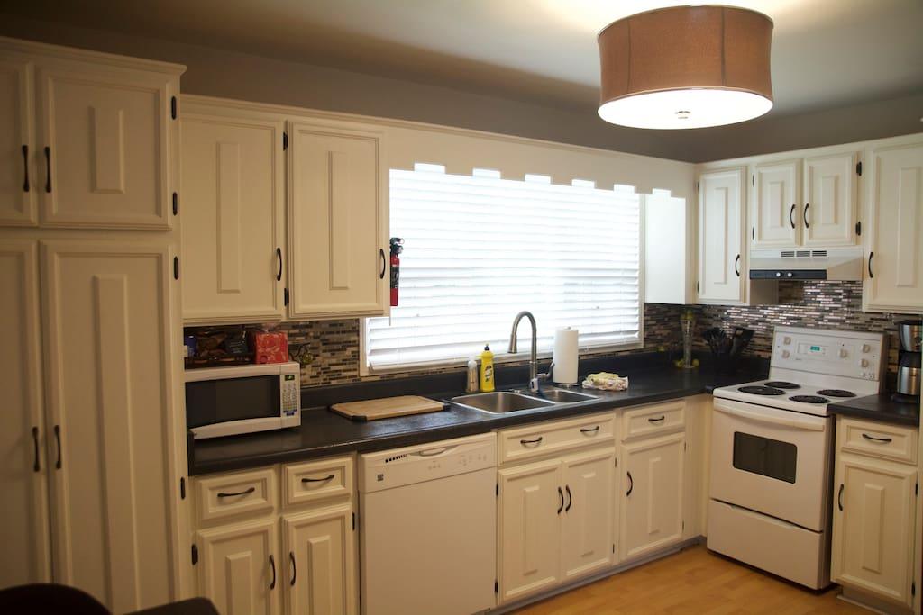 Kitchen 13' x 10'