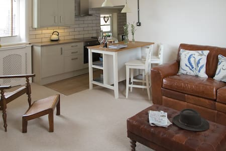 Delightful Mews Cottage. - Lytham Saint Annes