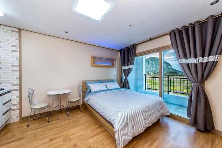 Ahtti room 2 (Narsha House 나르샤하우스) - Andeok-myeon, Seogwipo-si