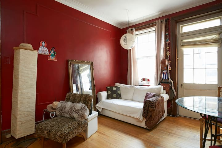 Charming private room in trendy Westmount