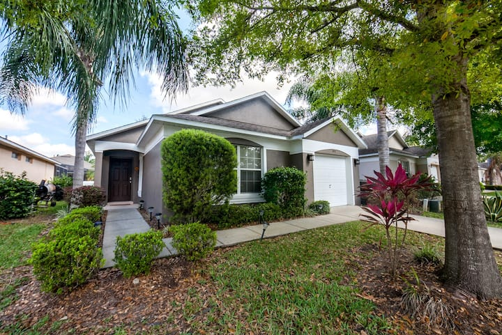Beautiful 3 Bedroom Pool Home in Southern Dunes