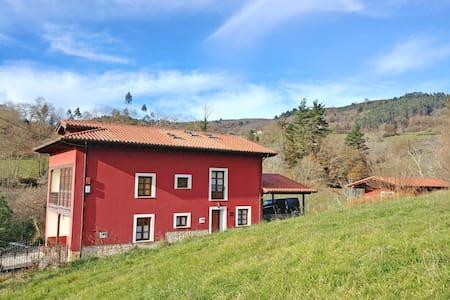 C. Rural 'La Riega II': hasta 7 pax. | Barbacoa
