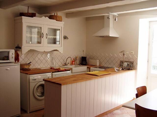 Fermette rénovée, à Niort Surimeau - Niort - Huis