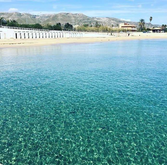 Nuova spiaggia recentemente bonificata a 200mt dalla villetta!