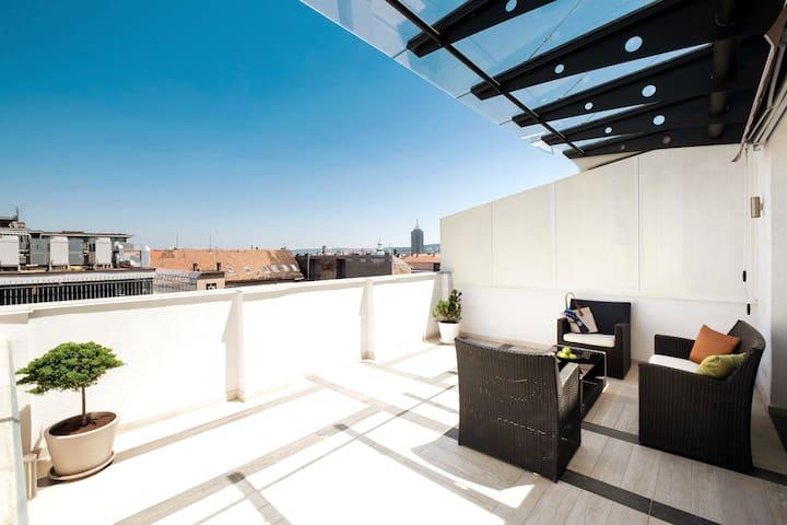 Huge Terrace + City View + Top Location ✔ Bingo ✔