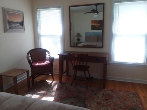 Spacious & comfortable private room + common area