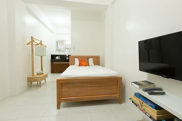 Town Center Rooms, Iba Zambales 3
