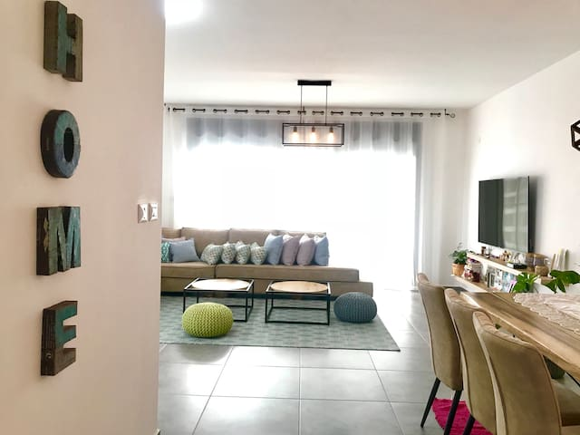Shanshan's luxury TLV suite