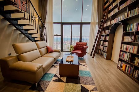 West Lake Duplex/ Entire Hanoi View/Library Design