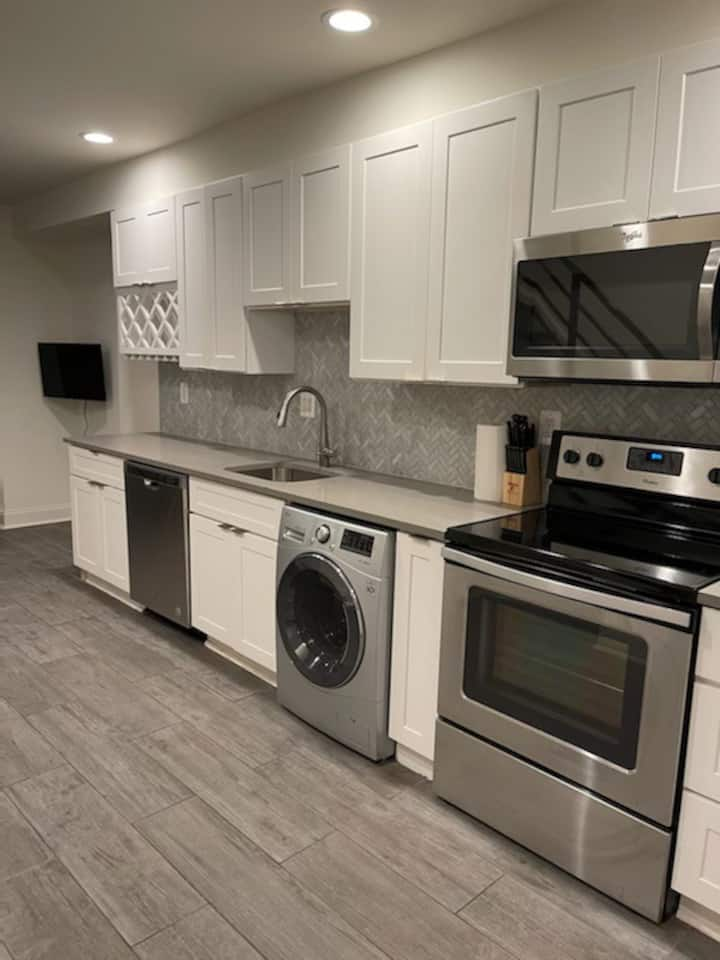 Beautifully Renovated DuPont Circle Two Bedroom