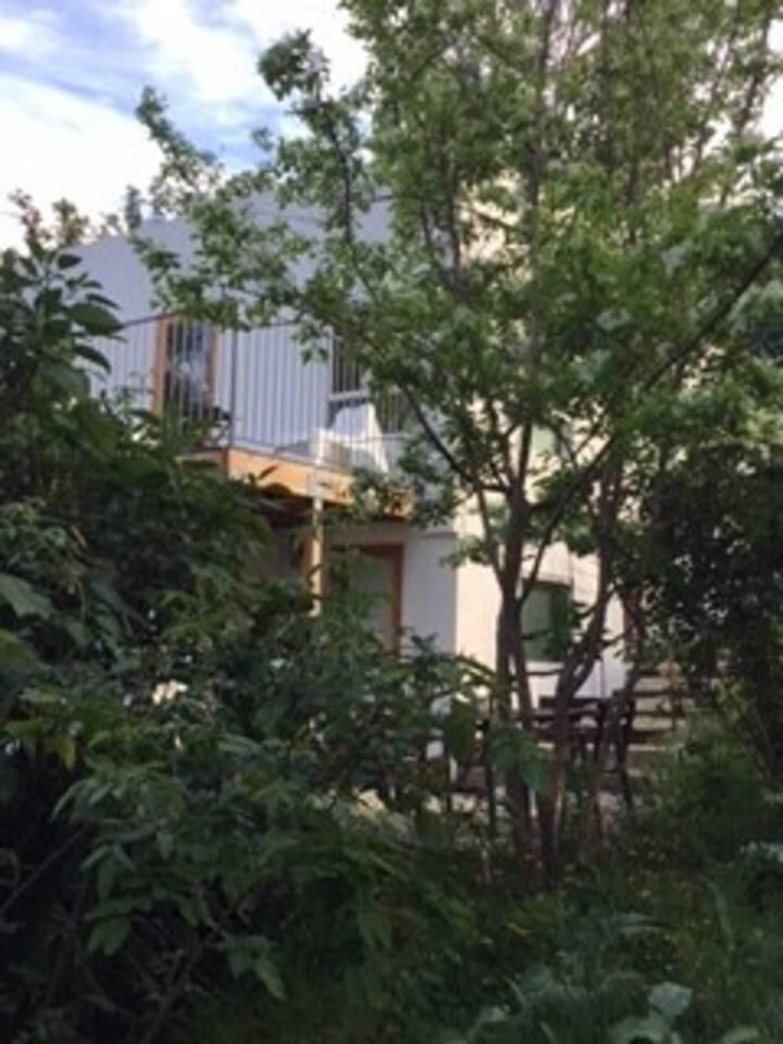 Hide Away in Highland Park 2 (upper house)