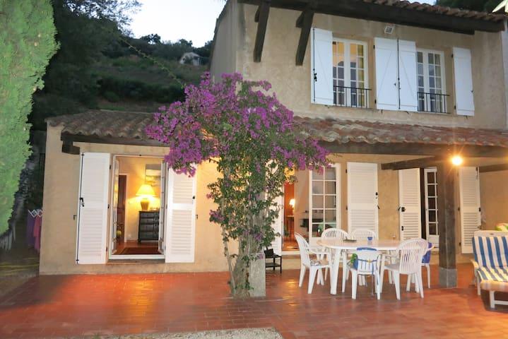 Maison dans Golfe de Saint Tropez vue mer