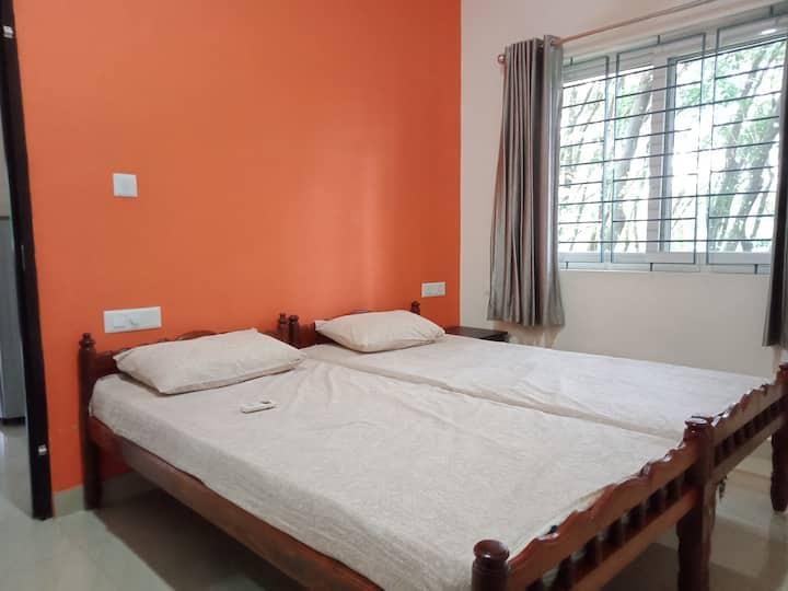 Govindham 1BHK, AC, Near Sreedhareeyam, 9946848578