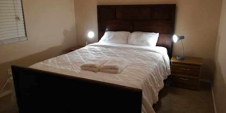 Convenient Private Room 8 minutes From the Strip 2