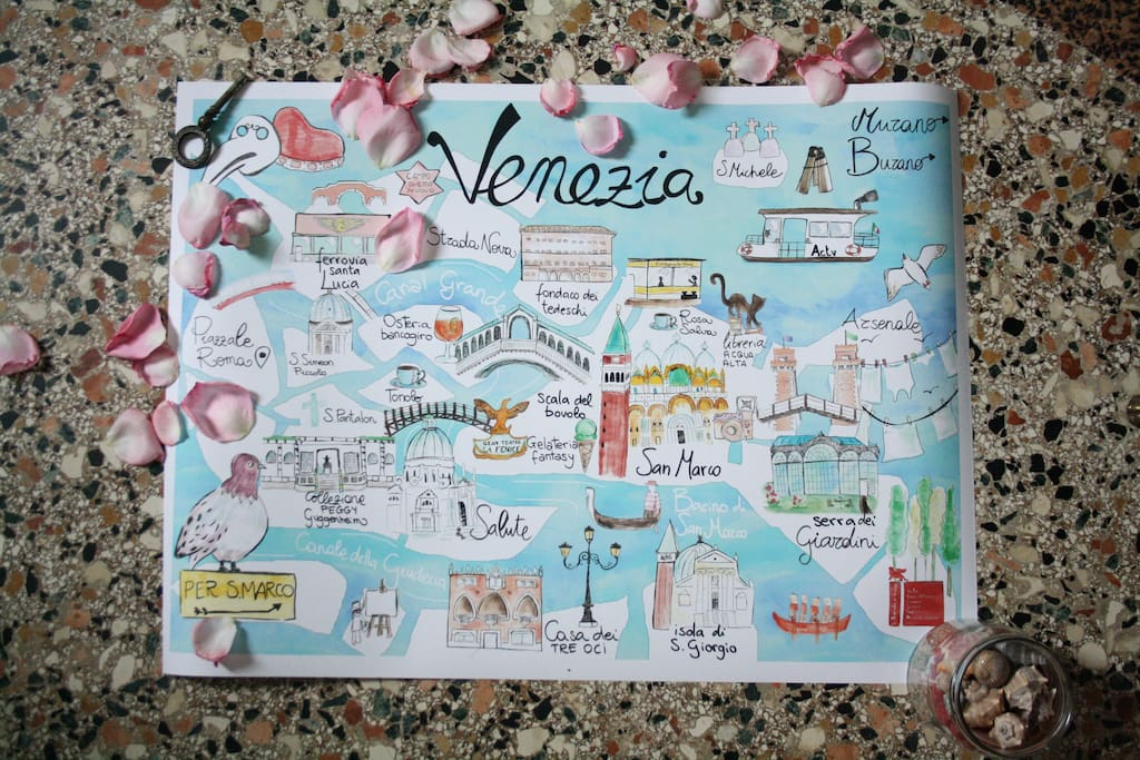 I've been creating this Venice illustrated map in the last weeks. I drew my favourite venetian treasures to share them with you.