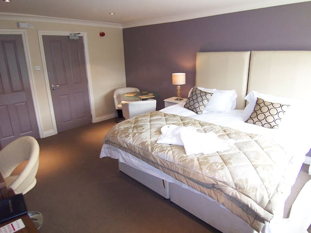 Modern Suite 9 with private bathroom & kitchenette - Bakewell - Bed & Breakfast