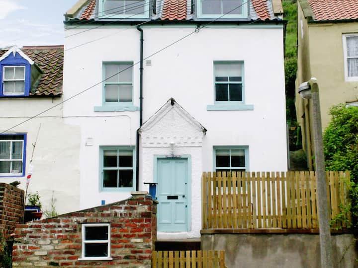 Sunny Cottage (25822)