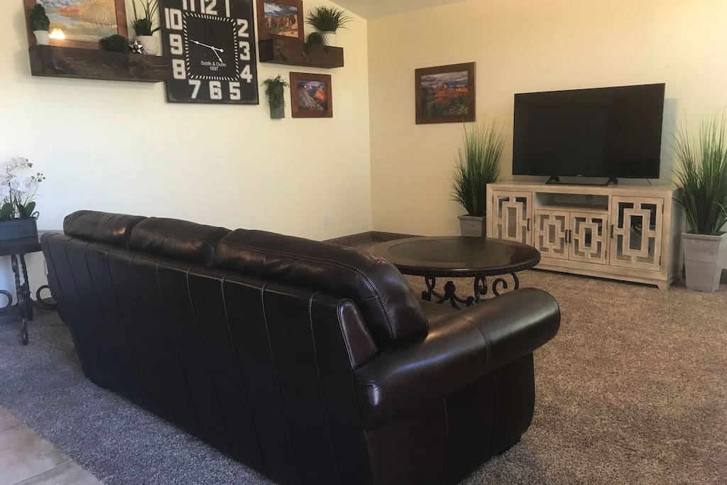 Beautiful large front room for your family