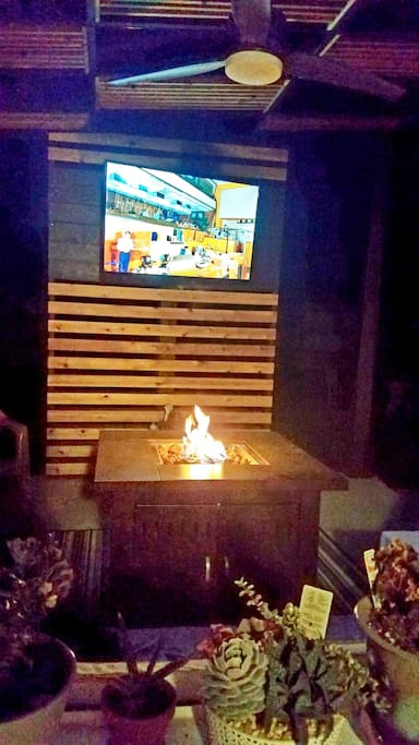 Cozy fire pit on patio....sweet for the winter!